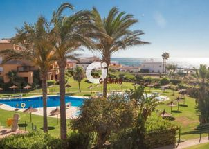 Beachfront Apartment in Duquesa Port