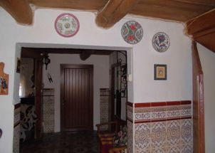 House with cellars and land located in Malillo de los Oteros, Santa Martas. We have a house to reform of
